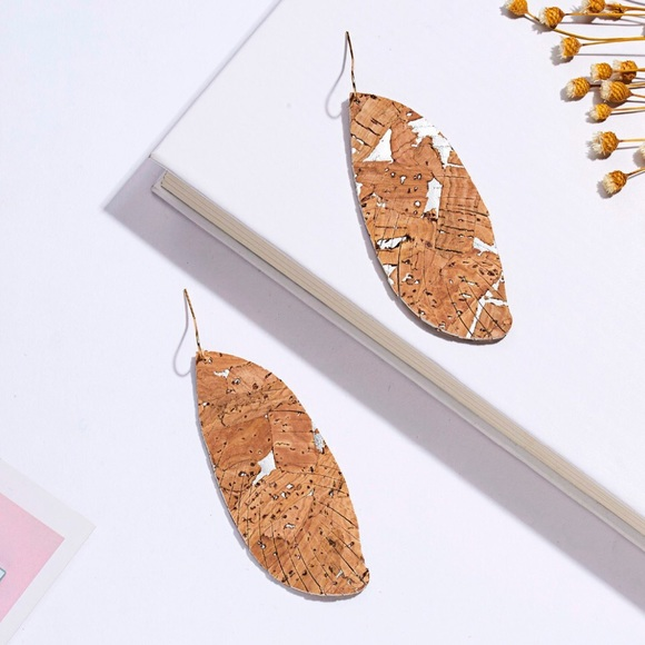 boutique Jewelry - Brand new!!!! Cork/faux leather feather earrings